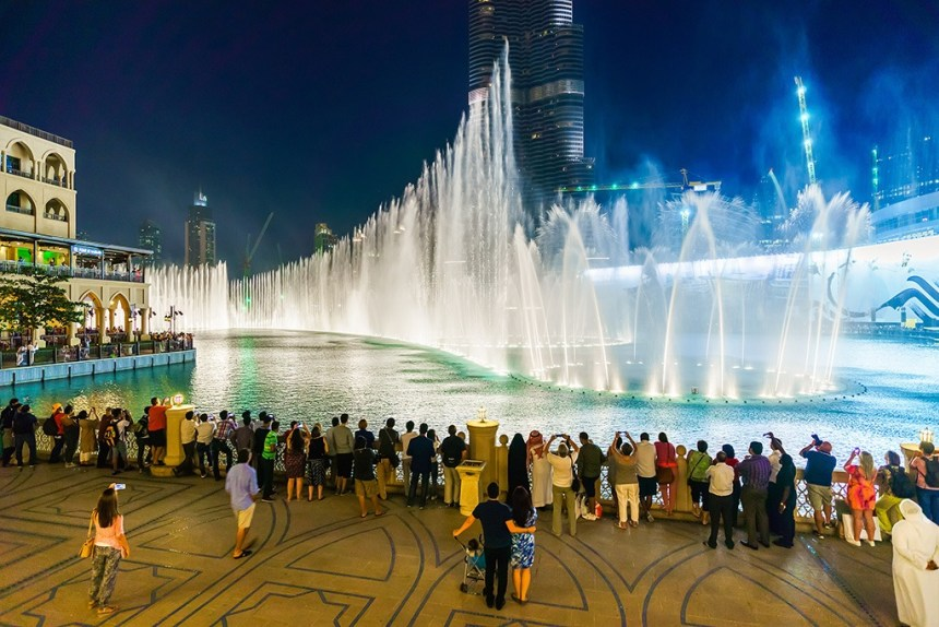 where to go in Dubai at night